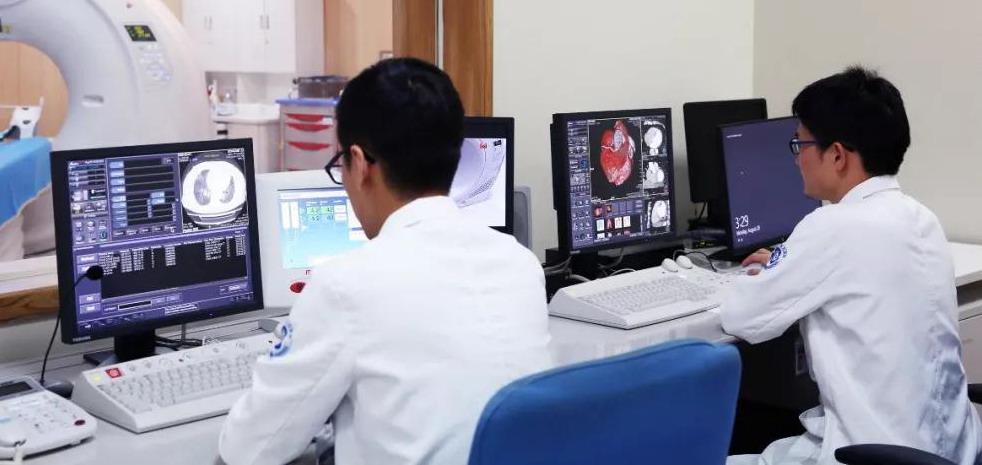 招聘放射科医生